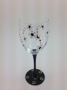 black and white flower wine glass